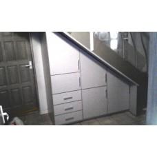 Шкаф под лестницу 01
